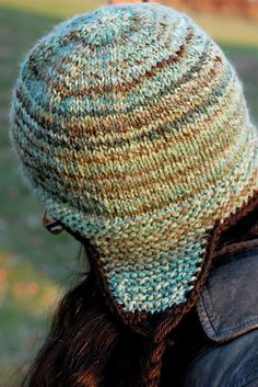 Thorpe hat, with earflaps -- free knitting pattern   love the colors