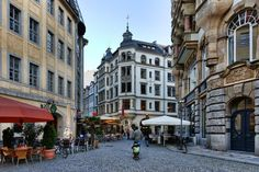 Ciudad milenaria En 2015, Leipzig, al este de Alemania, celebra los 1.000 años de su primera mención histórica documentada, así como el primer centenario de su gran Estación central.