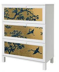 Florence Broadhurst wallpaper is used to cover the ugly panels in an aneboda chest of drawers. Ikea Rast Dresser, Ikea Drawers, Dressers, Ikea Makeover, Furniture Makeover, Florence Broadhurst, Wallpaper Dresser, Ikea Wardrobe Hack, Big Girl Bedrooms