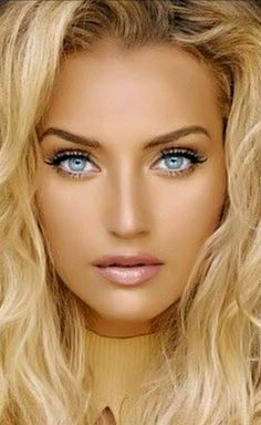 The seductive beauty of Karalea Mazzola Dark Blonde Hair Color, Blonde Beauty, Pretty Eyes, Cool Eyes, And God Created Woman, Glamorous Makeup, Stunning Eyes, Pure Beauty, Woman Face