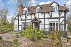 A Most Attractive Grade ll Listed Century Cottage with Beautifully Landscaped Private Gardens Situated in the Village of Old Cradley. Private Garden, Old House Dreams, Little Houses, 17th Century, Old Houses, Cottages, Sweet Home, England, Real Estate
