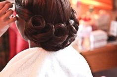 Vintage hair and makeup tips for the vintage bride