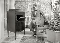 """iTunes:   New York or vicinity circa 1920. There are around a dozen pictures in the Bain archive of this fellow, all labeled """"Thomas"""" -- perhaps a composer, songwriter or singer.  Update: tterrace reveals this to be the noted baritone John Charles Thomas.   5x7 glass negative, George Grantham Bain Collection.  Click to view full size."""