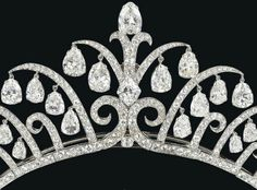 Detail shot: Art Deco tiara by Cartier, circa 1920's. Via Diamonds in the Library.