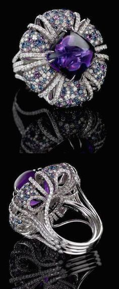 J Carlisle Amethyst ring. With a 29 carat cabochon amethyst center stone and a stunning combination of graduated diamonds and amethysts in an original and beautifully crafted mounting this gorgeous ring is a true gem. Purple Jewelry, Amethyst Jewelry, Silver Jewelry, High Jewelry, Jewelry Accessories, Jewelry Design, Jewelry Gifts, Jewelery, Saphir Rose