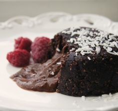 ... toetjes on Pinterest | Chocolate Desserts, Raw Vegan and Pistachios