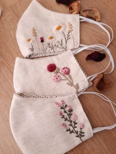 Diy Embroidery Patterns, Hand Embroidery Dress, Hand Embroidery Videos, Hand Embroidery Tutorial, Flower Embroidery Designs, Crewel Embroidery, Sewing Patterns, Crochet Mask, Mask Design