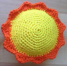 Sangkuffert med hæklede dyr og figurer – Mit hækleunivers Crochet Toys, Knit Crochet, Baby Songs, Drops Design, Hygge, Fiber Art, Diy And Crafts, Projects To Try, Knitting