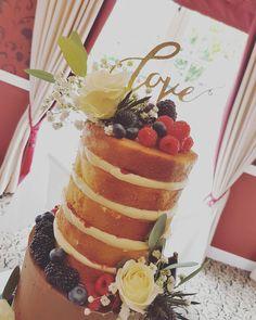Top tier full of zesty lemons and raspberry conserve... #nakedcake #lovelauralane #weddingcake #cake #cakedesigner #brideandgroom #tornacoille #showstopper #haysflowers #ilovemyjob #pretty #unique #bespoke