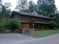 Blue Waters Mountain Lodge  Telephone: (828) 479-8888  (888) 828-3978  Visit Website: http://www.bluewatersmtnl.com/