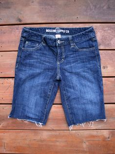 Adventures in Dressmaking: Shorts inspiration, and the very fast DIY cutoff jeans shorts