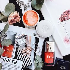 Beauty essentiels @nata_zolotar #Regram via @flatlay #flatlay