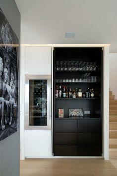 Incredible Bar Interior Design with Tropical Inspirations! Bar Interior, Home Interior Design, Interior Design Portfolios, Mini Bars, Bar Sala, Veranda Design, Bar Unit, Built In Bar, Built Ins