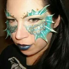 I like that the design is based around the eyes and that's where the attention is drawn to - quite detailed yet minimalistic. I like the colours however the detail could be improved a lot to make look more realistic. Actual eye make up isn't very good. Siren Costume, Fish Costume, Costume Makeup, Fish Makeup, Mermaid Makeup, Makeup Art, Sfx Makeup, Mermaid Hair, Fantasy Make Up