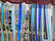 מובייל כחול לבן ליום העצמאות | ינשופי - בלוג היצירה של חברת פלדע Reggio Classroom, Preschool Classroom, Diy For Kids, Crafts For Kids, Children Crafts, Israel Independence Day, Jewish Celebrations, Independance Day, Diy Art