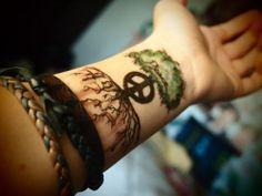 Peace Tree Tattoo On Wrist : Peace Tattoos Wrist Tattoos, Love Tattoos, Tattoo You, Beautiful Tattoos, Body Art Tattoos, Tattoos For Women, Tribal Tatoos, Tattoo Und Piercing, Libra Tattoo