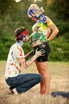 Paint war #maternity session! What a fun idea for a quirky couple! I'd love to photograph that!