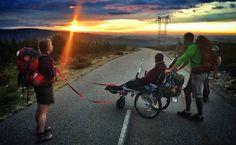 Cadeirante faz Caminho de Santiago de Compostela com a ajuda de amigo