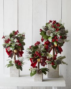 Christmas topiary photo only from a catalogue Christmas Topiary, Christmas Decorations For The Home, Christmas Flowers, Christmas Centerpieces, Xmas Decorations, Christmas Wreaths, Christmas Ornaments, Table Centerpieces, Christmas Projects