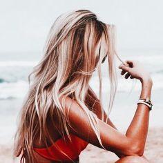 hair / hair color/ blonde and brown hair / highlights / long hair Blonde Plage, Summer Hairstyles, Pretty Hairstyles, Long Blonde Hairstyles, Latest Hairstyles, Good Hair Day, Gorgeous Hair, Beautiful Beach, Hair Goals
