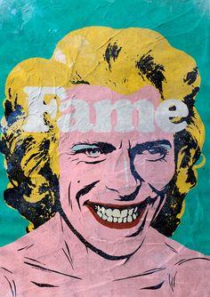 David Bowie VS. Pop Cultureest une jolie série de mashups en hommage au célèbre chanteur disparu le10 janvier 2016, dans laquelleles personnages cultes