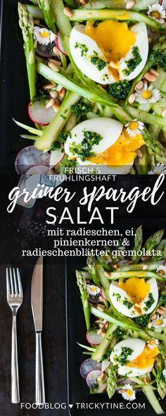 grüner spargel salat mit radieschen, wachsweichen ei, pinienkernen und radieschenblätter gremolata ♥ trickytine.com #asparagus #salad #trickytine #eggs #spring