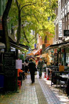 Lunchtime in Hardware Lane,Melbourne,Australia
