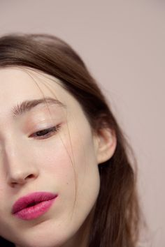 Natural Makeup Generation G lipstick in Crush - You only need to know some tricks to achieve a perfect image in a short time. Makeup Inspo, Makeup Inspiration, Basic Skin Care Routine, Lipgloss, Matte Lipstick, Lipstick Tricks, Lipsticks, Pink Lipstick Makeup, Yellow Lipstick