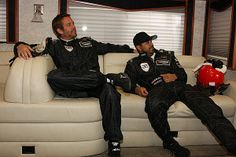 Paul Walker 2010年12月7日   me and Roger Rodas in the RV...