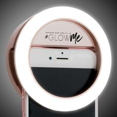 Take the perfect selfies or quick makeup touch-ups with your phone camera anywhere, anytime with the Impressions Vanity GlowMe USB Rechargeable LED Selfie Ring Light. It's like having your vanity station lighting Iphone Charger, Iphone Cases, Led Selfie Ring Light, Led Ring Light, Iphone 7 Coque, Hollywood Vanity Mirror, Vanity Mirrors, Accessoires Iphone, Smartphone