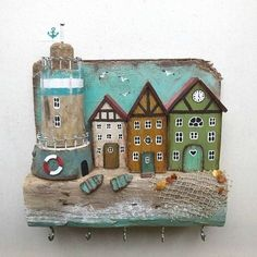 Pottery Houses, Ceramic Houses, Driftwood Projects, Driftwood Art, Beach Themed Crafts, Diy Y Manualidades, Diy And Crafts, Paper Crafts, Rustic Frames
