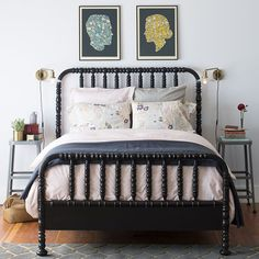 paint our wooden bed like this black
