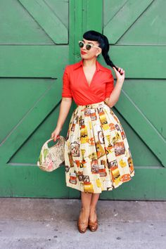 Vintage Vandalizm - adore that great vintage novelty print skirt.
