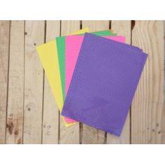 Con estos sobres lila con estampado confetti tu regalo sera fantástico.