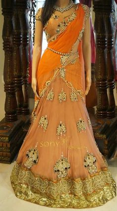 Perfect half saree with superb lehenga. One of the best lehengas I have seen Floral Lehenga, Lehenga Style Saree, Lehenga Gown, Anarkali Suits, Sarees, Dress Indian Style, Indian Outfits, Indian Bridal Wear, Indian Wear