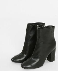 Botas de tacón negro