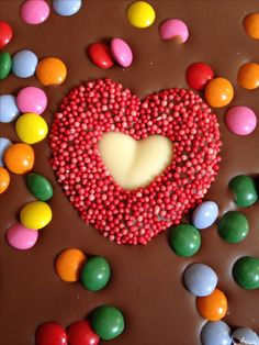 Le Comptoir de Mathilde. Milk chocolate with chocolate candy.