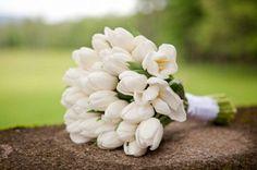 chic white tulip bouquet