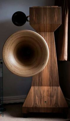 Tune Audio Anima 3-Way Horn Speakers. Downfire Basshorn mit 15 Zoll Treiber, Mittel und Hochton Kugelwellenhorn.
