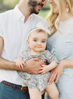 Simple Outdoor Family Portraits | cottagehillmag.com
