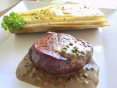 Filet ao Poivre Vert e Palmito pupunha assado com azeite de manjericão