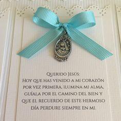 Tarjetas de Primera Comunión #recuerdos #bautizo #boda #primeracomunion #tarjetas #tarjeteriafina #babyshower #hechoamano #virgendelcarmen