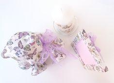So cute... Ένας Αρκούδος... Αξιαγάπητος ♥♥♥ και Μοναδικός ! #JustOnePiece Έχει γίνει κολάζ με πεταλούδες σε διάφορα χρώματα και μεγέθη, λουλούδια και λιβελούλες! Έχουν χρησιμοποιηθεί κόλλα και βερνίκι νερού, άοσμα και μη τοξικά !Η Διάσταση του είναι 18.5 cm x 15.5 cm και το Ύψος του 21 cm Ιδανικό για να διακοσμήσει βρεφικό και παιδικό δώματιο. Συνδιάζεται με την Κορνίζα και το Κερί...♥ #WeLoveDetails #JustOnePiece #WeLoveDecor #Handmade #ThePinkFeather Children, Girls, Room, Jewelry, Young Children, Toddler Girls, Bedroom, Boys, Jewlery