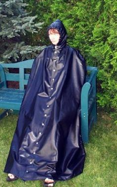 Auf Regen wartend ! Rain Cape, Capes & Ponchos, Hooded Raincoat, Rain Wear, Latex, Hoods, Windbreaker, Rock, Jackets