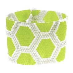 Tutorial - How to: Chartreuse Honeycomb Peyote Bracelet | Beadaholique