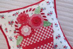 Summer Posies by Pam Kitty - featuring Pam Kitty Picnic.  Seen in Quiltmaker's 100 Blocks