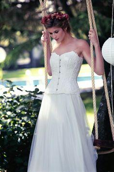 White Dress, Wedding Dresses, Instagram Posts, Ideas, Fashion, Different Wedding Dresses, Designer Wedding Dresses, Dress Designs, Party Dresses
