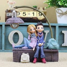 DecBest Couple Night Light Resin Crafts Ornaments Retro Lovers Miniature Figurines LED Lamp Ideal Gifts is lighting at night and convenient to go to toilet at night-NewChic. Carl Y Ellie, Clay Pen, Night Couple, Miniature Figurines, Fondant Figures, Cute Cartoon Wallpapers, Pretty Dolls, Resin Crafts, Clay Creations