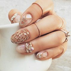 There are nail designs that include only one color, and some that are a combo of several. Some nail designs can be plain and others can represent some interesting pattern. Also, nail designs can differ from the type of nail… Read more › Classy Nails, Fancy Nails, Gold Nails, Cute Nails, Nail Swag, Hair And Nails, My Nails, Nail Charms, Nail Jewelry
