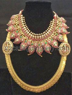mughal-inspired-temple-jewellery.jpg (498×660)